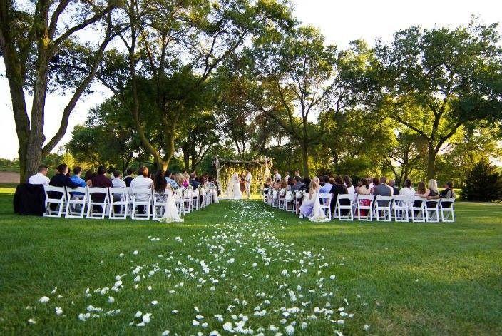 14fad2851c50400d 1379606914489 outdoor wedding
