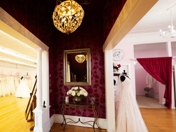 Tmx Hallway Panorama 51 3674 1565203597 Essex Junction, VT wedding dress