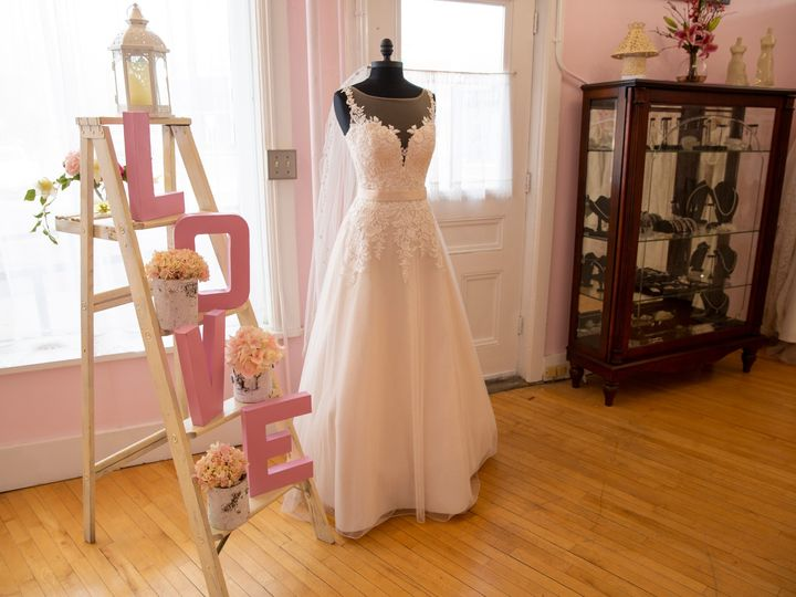 Tmx Lis 0040 51 3674 1565203680 Essex Junction, VT wedding dress