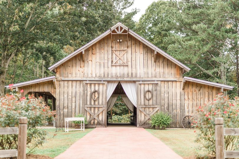 Barn exterior | Virginia Greene Photography