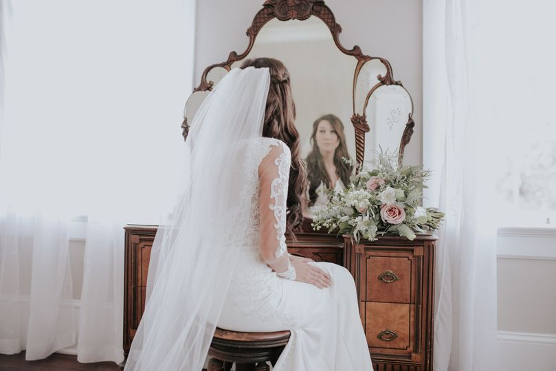 Bride in the dressing room | Connie Marina Photography