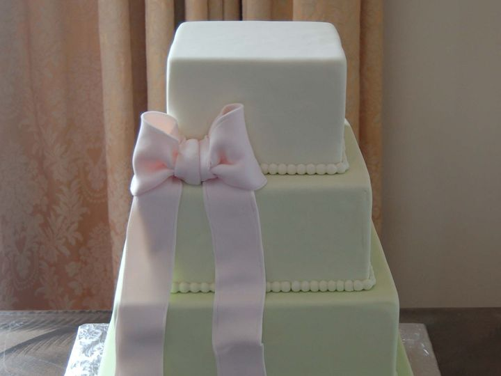 Tmx 1399305984061 Square Green Cake With Pink Bo Valley Cottage wedding cake