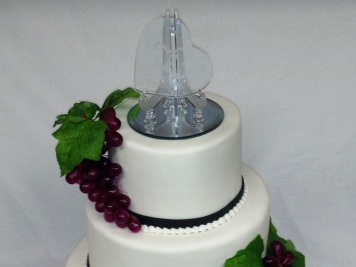 Tmx 1399306008156 Wedding Cake With Grape Valley Cottage wedding cake