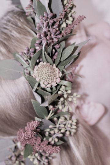 Scabiosa and eucalyptus halo