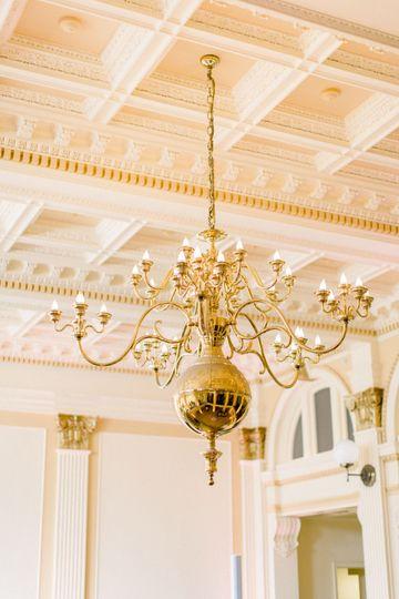 chandelier 51 532774 1565961320