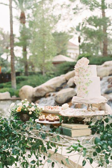 Wedding cake | Madeleine Collins Photography
