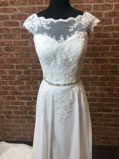 Classic Lace with accessory