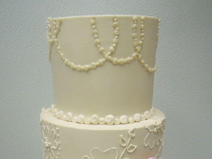 Tmx 1518146379 5fcffe0ac7fc6551 1518146377 F3e43a41eefcac36 1518146376717 12 DSCN9192 Chesterfield, MO wedding cake