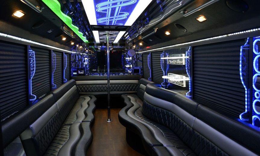 e21e5063201e7fa0 Big White 28 Pax Party Bus