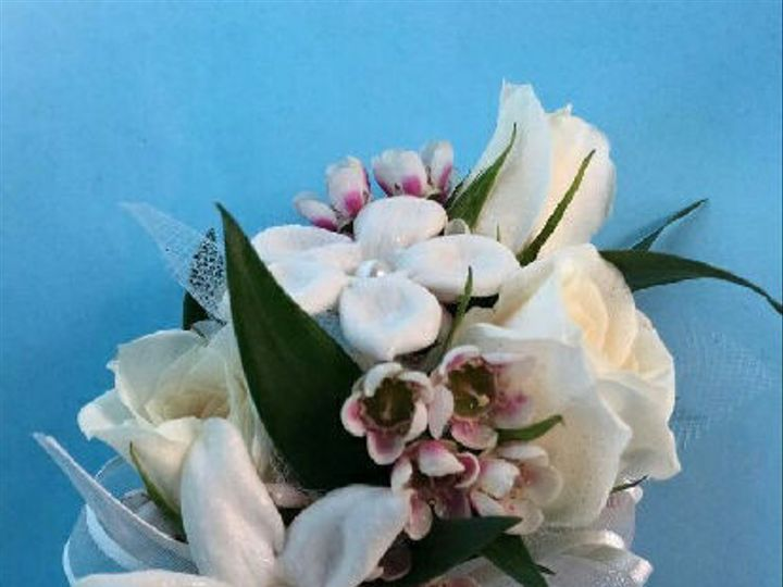 Tmx 1459968079506 Weddingcorsageroses Springfield wedding florist