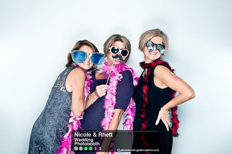 GraffCreativecharlotteweddingphotobooth004110312