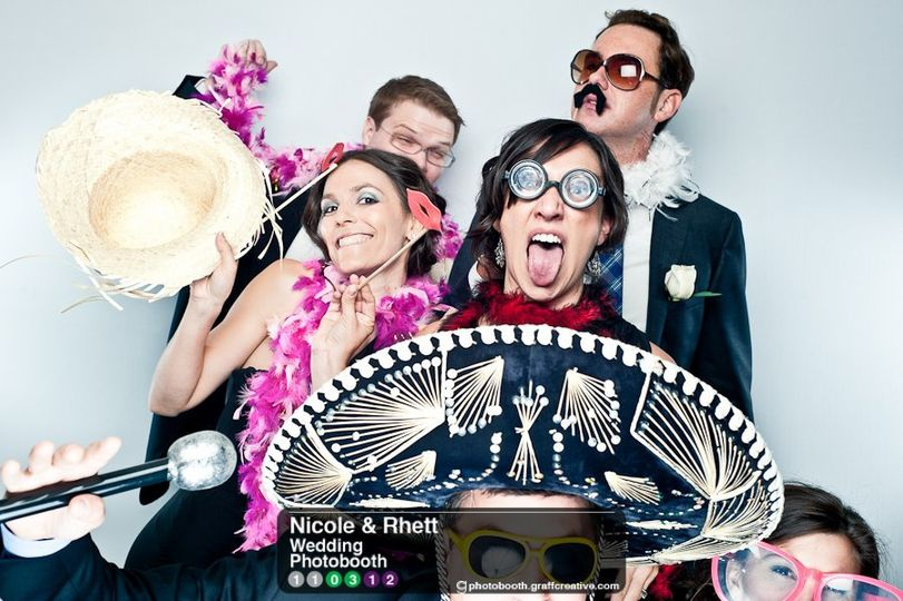 GraffCreativecharlotteweddingphotobooth012110312
