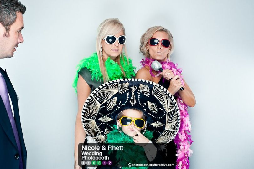 GraffCreativecharlotteweddingphotobooth015110312