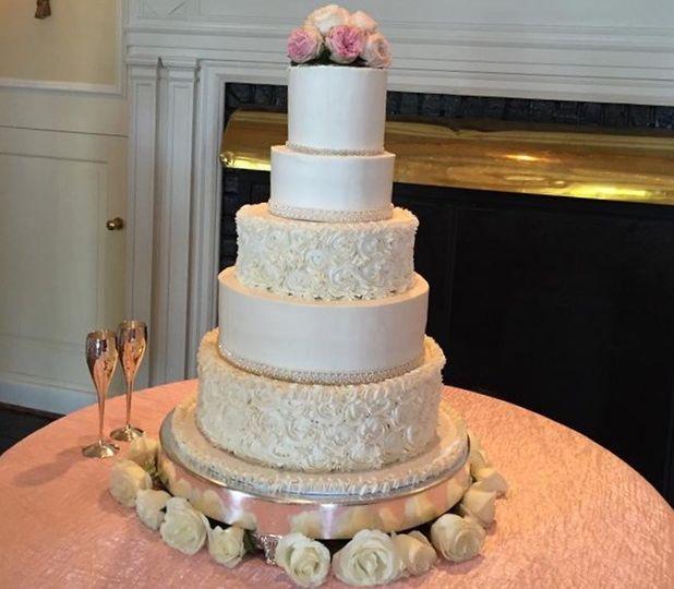 carson strange wedding cake prof photo