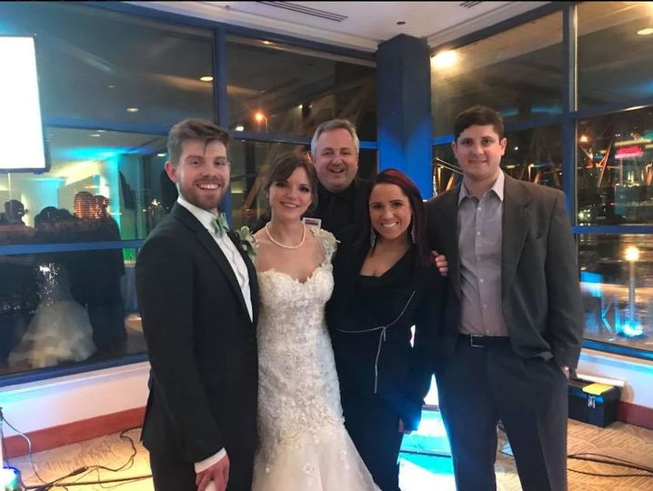 Hot Trax Wedding team at Newport Aquarium