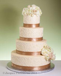 Tmx 1533824716 441752e8c0690a73 1533824715 7b2266cc7336b7a7 1533824706493 5 5b673671b5a73949ad Arlington, District Of Columbia wedding cake