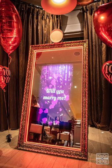 Proposal with mirror me booth