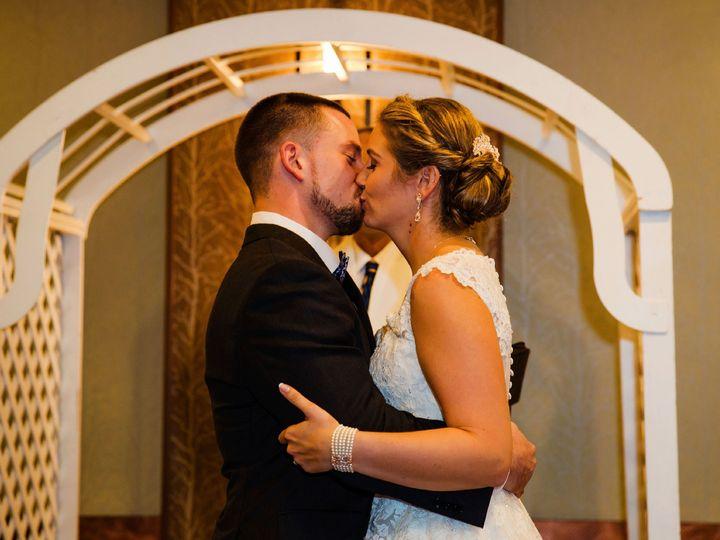 Tmx Ceremony Bg Kissing Archway 51 30184 Kulpsville, PA wedding venue