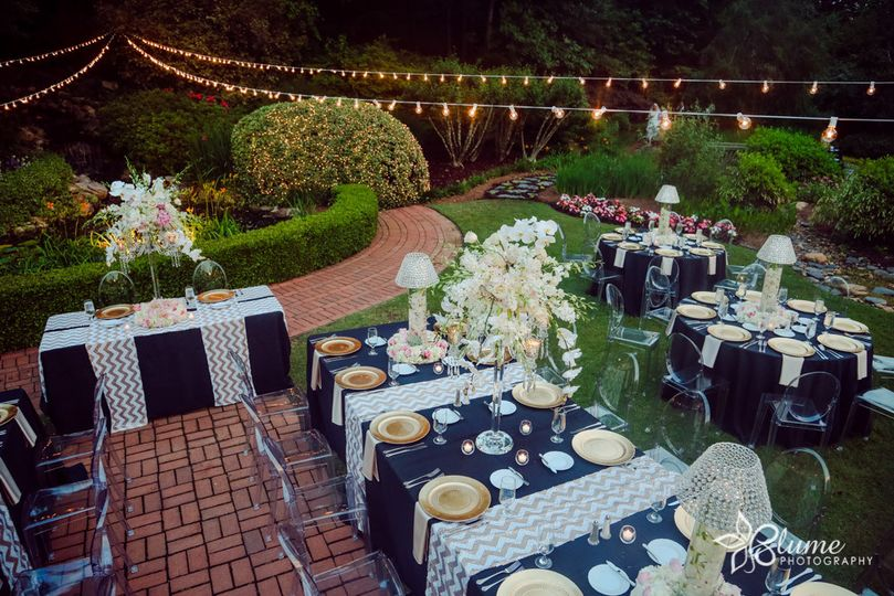 Outdoor table set-up