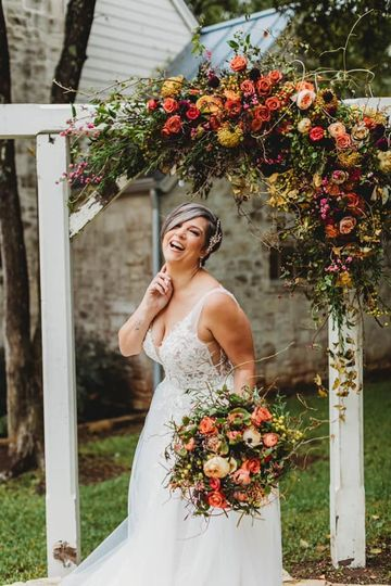 Fall bouquet and arch