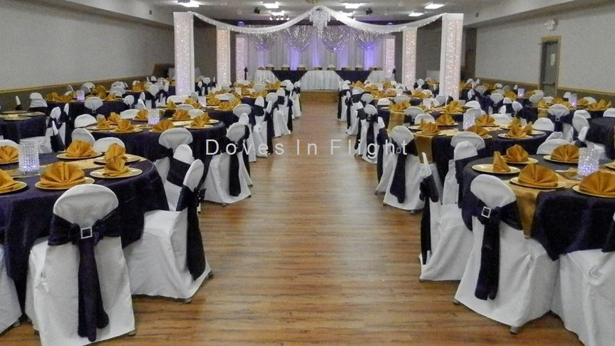 Black and yellow table linens