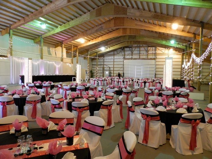 Black and pink linens
