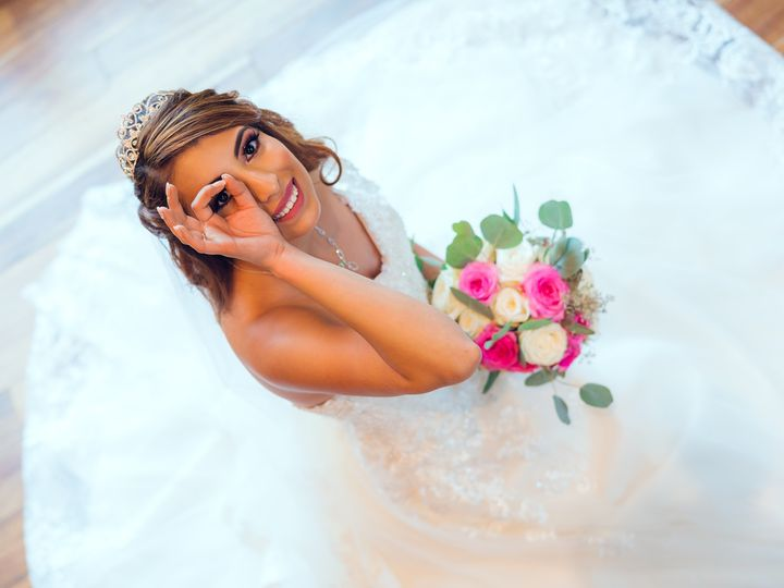 Tmx Bride Sit With Wedding Dress Cover The Ground Look Up Smile 2049 1366 51 1006284 1570780147 Raleigh, NC wedding photography
