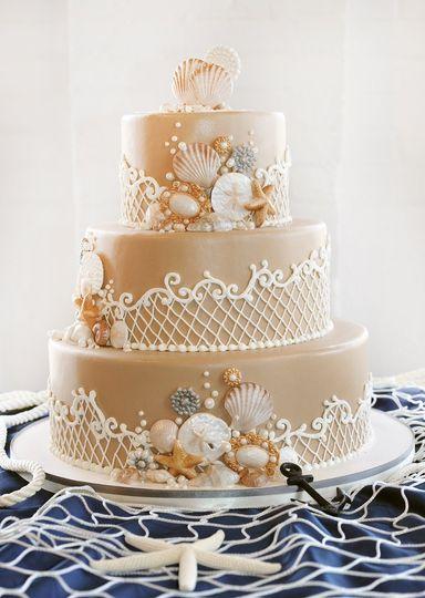 Tan Seashell Net cake