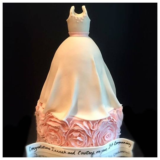 Yes to the dress cake