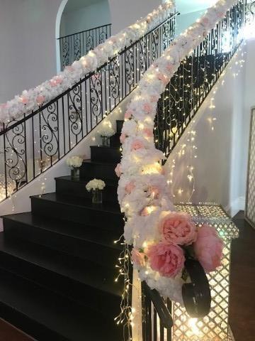 Tmx Melrose Bannister White Pink Flowers 51 665384 157393486923357 Carrollton, Texas wedding venue