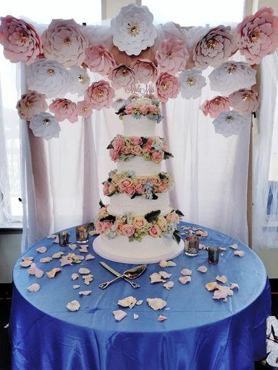 Floral cake decor