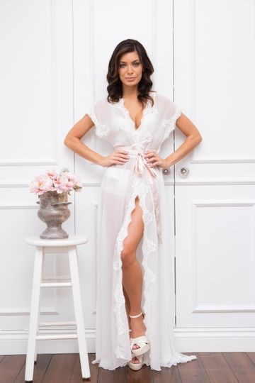 Homebodii's Farrah Robe, perfect for getting ready for your wedding comfortably in style.