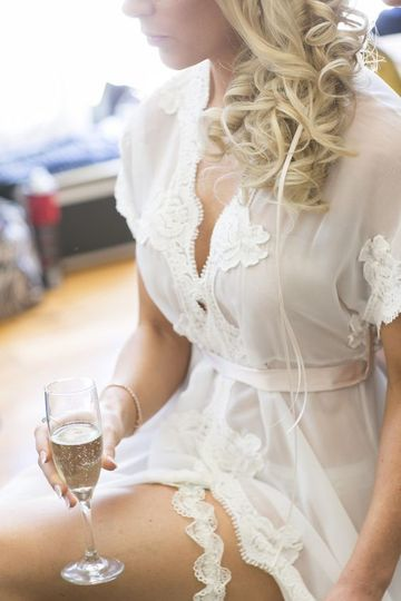 Real bride wearing the Farrah Long Lace Robe to get ready on her wedding day. The Hollywood glamour...