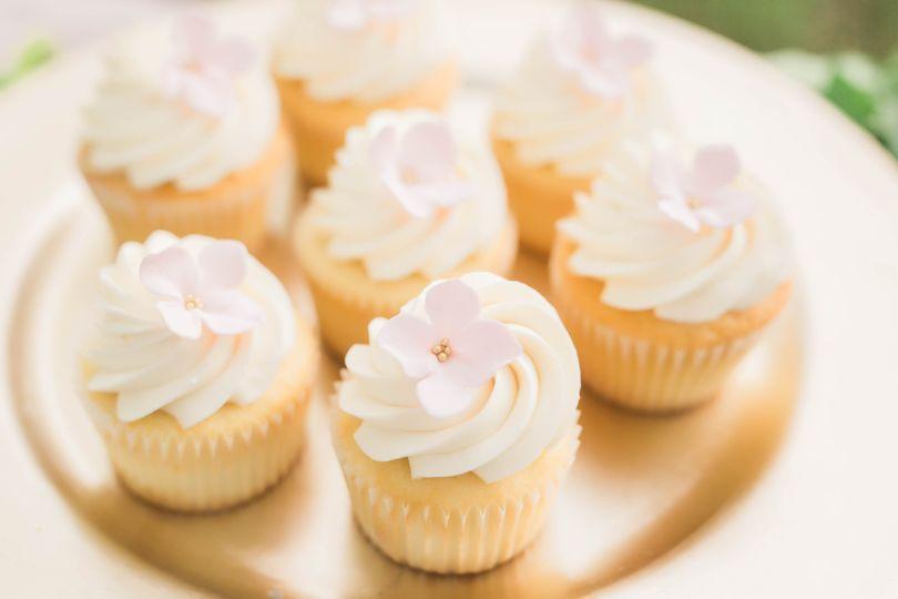 Blush pink cupcakes