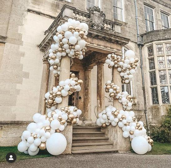 Ceremonial balloon garland