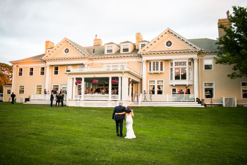 Endicott estate venue dedham ma weddingwire for Outdoor wedding venues ma