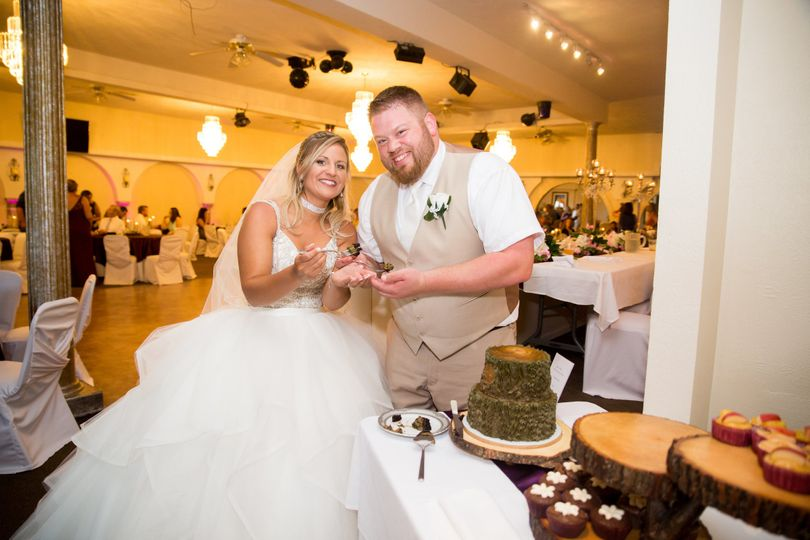 Slicing of wedding cake