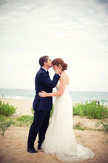 wedding photos from a beach wedding in nags head 4