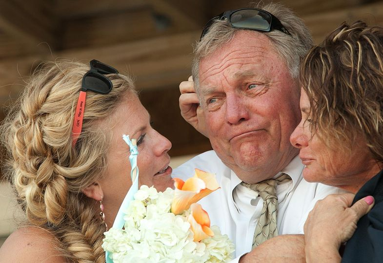 brides dad crying during first dance