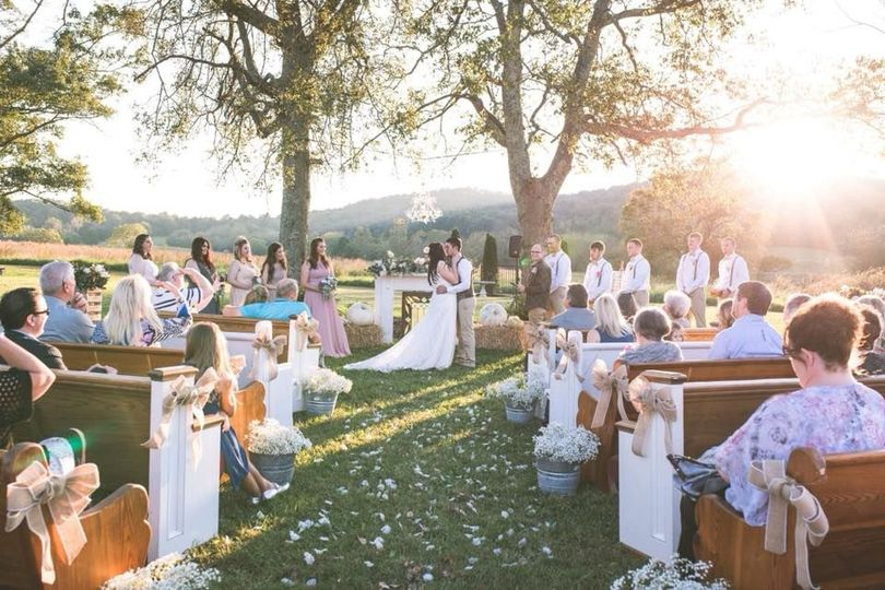A sun-bathed ceremony (Northern Belle Photography)
