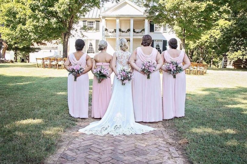 The bridal party (Northern Belle Photography)