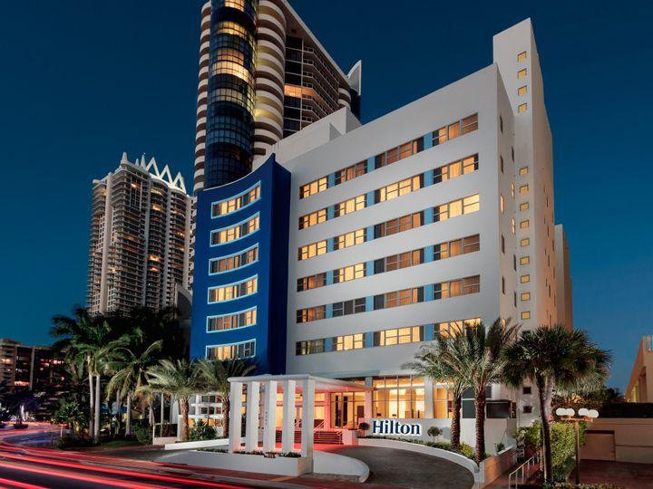 Tmx Hc Exterior Nightime 51 989584 V1 Miami Beach, FL wedding venue