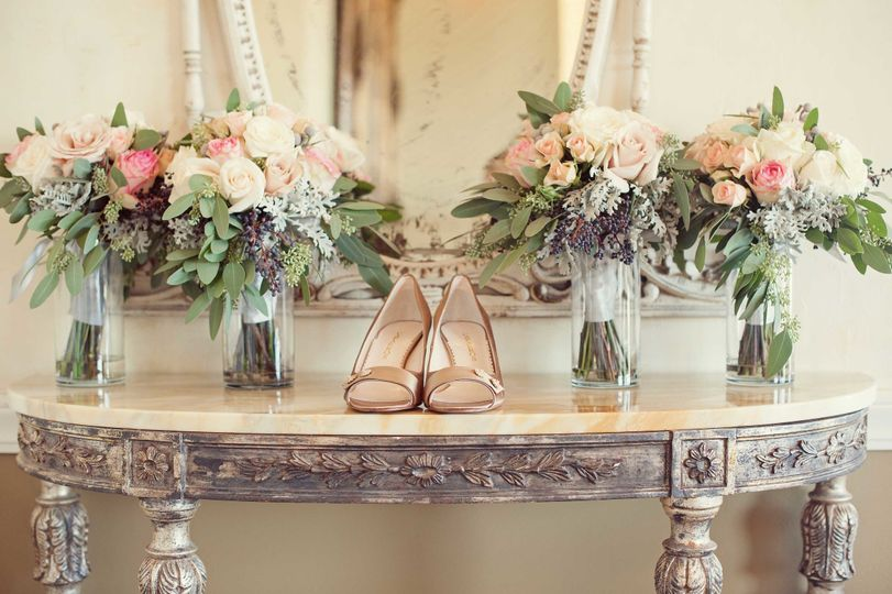 perry house bridal shoes with bouquets