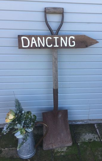 Let Jeanette's Rustic Signs impress your guests with unique rustic signage!
