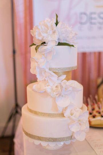 white bling cake 51 1002784