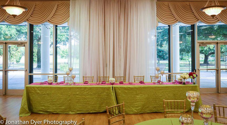 Long green table setup