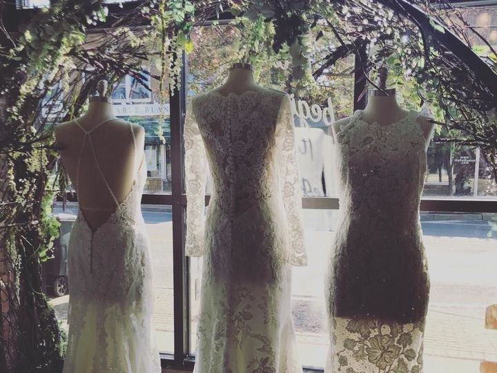 Tmx 1535642962 Ee95a0bf8a074e69 1535642961 3854c9d662ce87c1 1535642960414 2 Window Hamburg, NY wedding dress