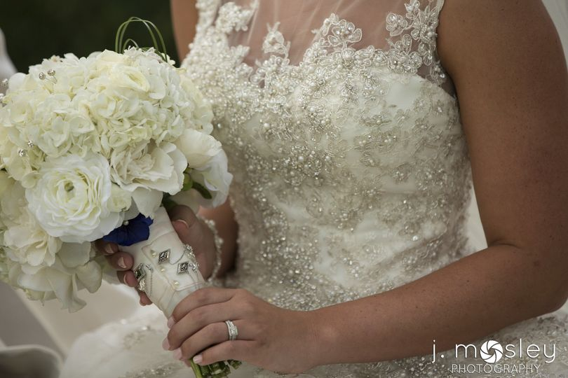 Bride holding her bouqet