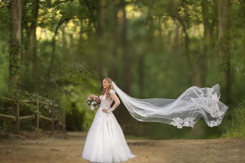 Gorgeous in white - Lighthouse Photography Dream Weddings