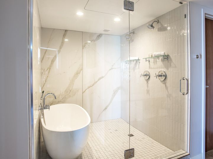 Tmx Executive Suite Master Bath Copy 51 911884 160311916589931 Traverse City, MI wedding venue